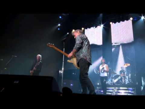 Bad Company - Movin' On (Live at Wembley)