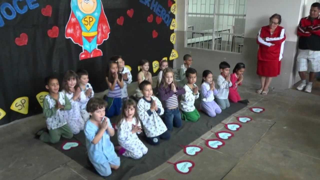 Musical Dia Dos Pais Evangelica: Apresentação Dia Dos Pais Yasmin Na Escola