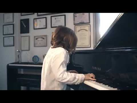 Seven-year-old-Greek-piano-prodigy-pens-an-isolation-waltz