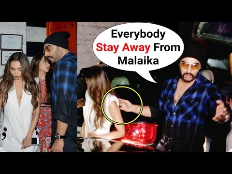 Arjun Kapoor PROTECTS GF Malaika Arora Khan From Crazy Fans Mp3