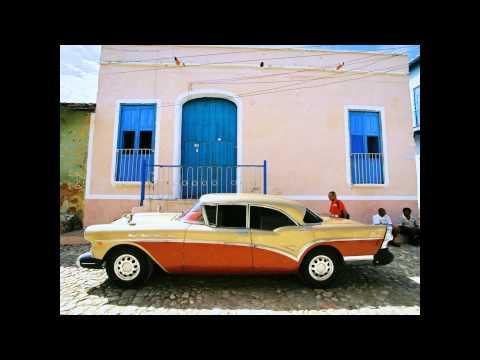 Best Cuban Song La Vida Es Un Carnaval (Celia Cruz)