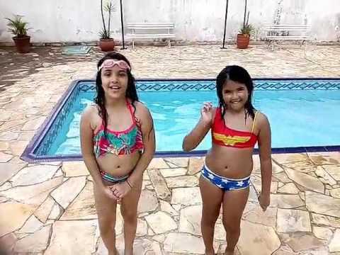 Desafio da piscina com minha vizinha a Laura