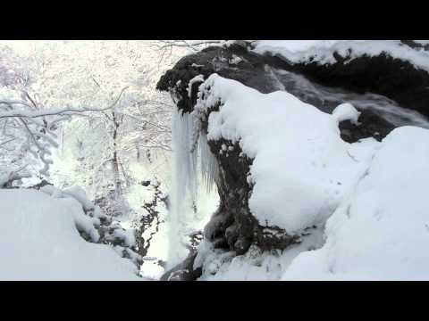 video 2 relax – frozen waterfall in Germany: Relaxing video with nature sound to meditate or yoga