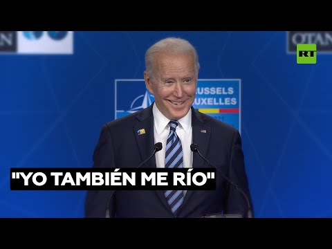 """Biden se ríe cuando le preguntan por sus declaraciones en las que llamó """"asesino"""" a Putin"""