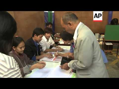 Protesters disrupt advance ballots in Thai elections