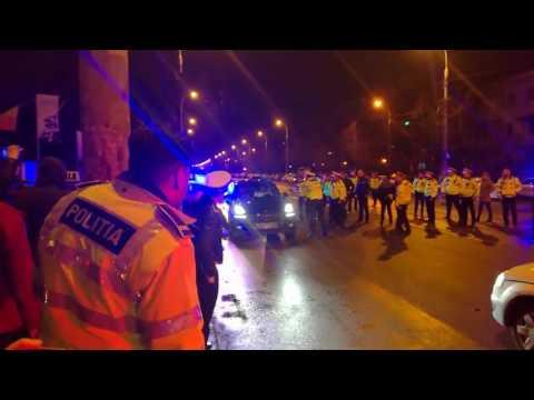 Ce faci cand treci pe rosu si Politia Romana incearca sa te opreasca?
