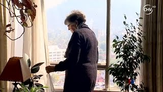 Anciana no puede salir de edificio por falla en ascensores - CHV Noticias