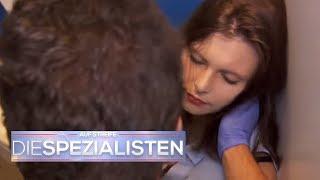 Auf Toilette zusammengebrochen! | Auf Streife - Die Spezialisten | SAT.1 TV