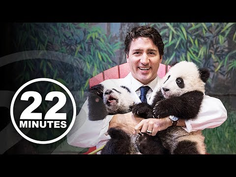 When it comes to the big picture, is Justin Trudeau better at taking selfies? | 22 Minutes