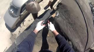 Монтаж и ремонт мягкой наплавляемой кровли гаража или других зданий своими руками(Монтаж и ремонт мягкой кровли своими руками. Такой ремонт вы можете сделать сами на своем гараже или любом..., 2016-05-06T21:14:10.000Z)