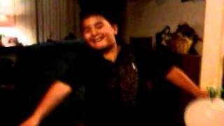 My son singing after inhaling helium (in Spanish)