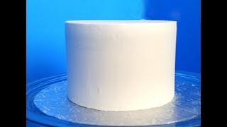 How to Get Smooth Icing or Frosting on a Cake