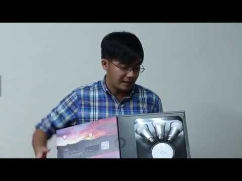 Tinhte.vn - Trên tay đèn thông minh Philips hue - YouTube