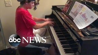 Teen delivers pizza and a song to family when he plays their piano