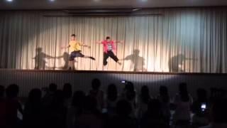 県立の高校教員によるダンスです。