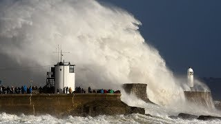 Three dead as Storm Ophelia batters Ireland thumbnail