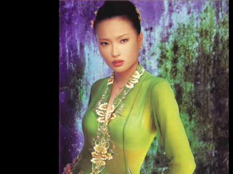 Nyonya Kebaya - YouTube
