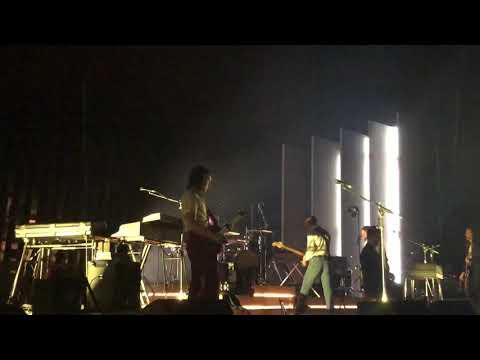 Arctic Monkeys Do Me A Favor San Francisco CA