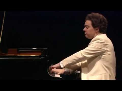 Evgeny Kissin plays Liszt's Piano Sonata in B minor, Part 1