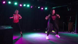 SALLY WALKER HYPE FITNESS DANCE FITNESS Resimi