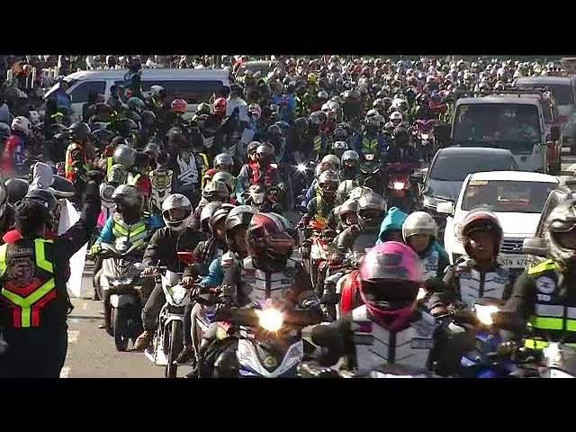Motorcycle riders protest vs. new law requiring double plates