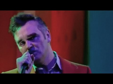 Morrissey - Everyday is like Sunday (Live on Friday Night with Jonathan Ross)