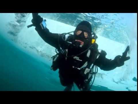 Погружение под лёд озера Байкал
