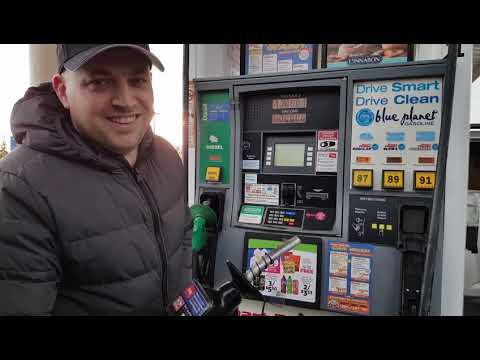 Американская бензоколонка. Как заправить автомобиль в США. Цены на бензин и солярку.
