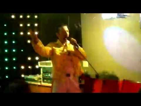 Karl Johnson is Freddy Mercury Live