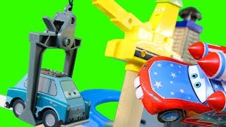 Disney Pixar Cars Wooden Wood Collection Professor Z's Lair Lemons & Lightning McQueen Toy Review
