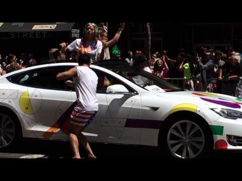 Gay Pride 2014 Tesla