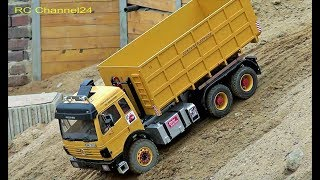 STUNNING RC TRUCKS, EXCAVATOR AND MORE ON A CONSTRUCTION SITE! MERCEDES SK! MAN TRUCK! DUMP TRUCK!
