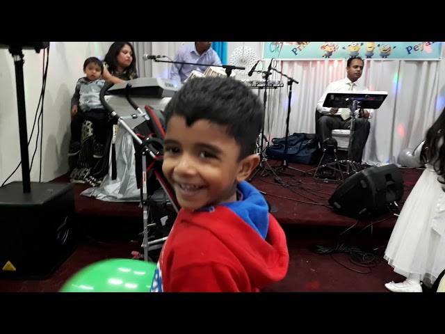 LalShobuj performing at Prithu and Peyan's Birthday(7)