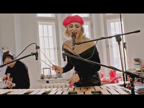 Reni Jusis - Laisse tomber les filles (Live Video)