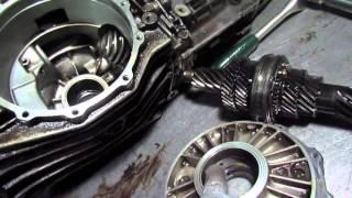 Audi 80  ремонт кпп замена подшипников регулеровка(собираем коробку с подробным описанием регулировки., 2016-03-09T04:23:41.000Z)