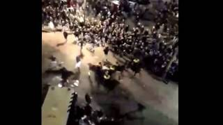 Schokkende videobeelden van rellen Twentesupporters FC Twente - PSV 6-4-17