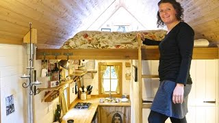 Brittany Yunker's GORGEOUS Tiny House in Olympia, WA-  Full Tour(Check out Deek's new book