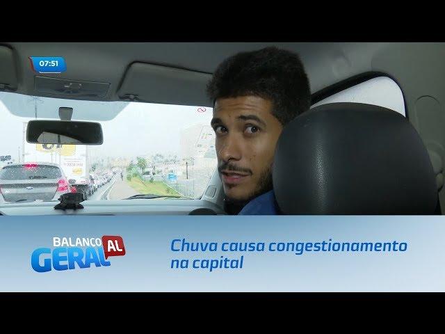 Chuva causa congestionamento na capital