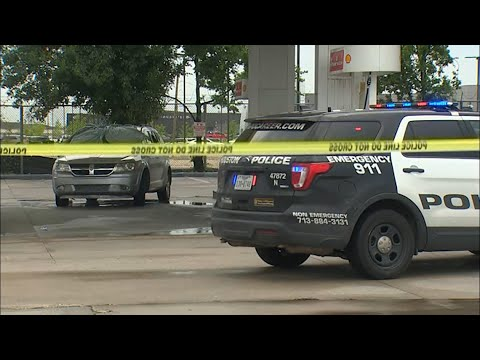Raw video: Man found shot to death at gas station on North Freeway