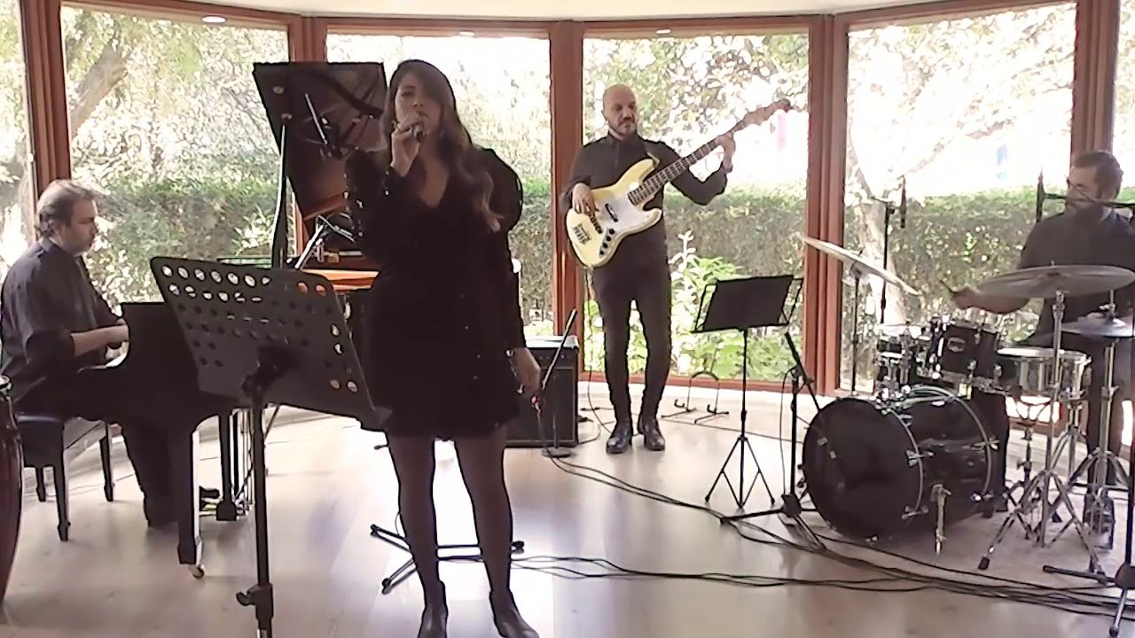 Istanbul Jazz Project Ft. Cemre - Autumn Leaves ( Live Recorded )
