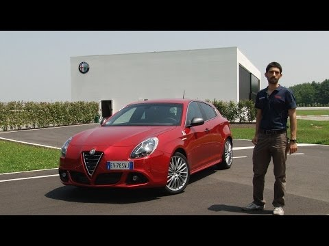 Alfa romeo giulietta qv vs vw golf gti at the nurburgring