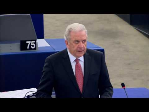 Opening remarks by Commissioner Avramopoulos at the EP Plenary session: Making relocation happen