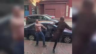 EPIC spinning heel kick as skinny guy wins street fight