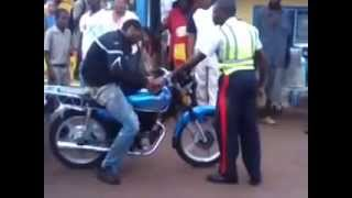 Police gets disrespected from jamaican bike rider