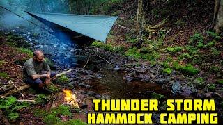 Hammock Camping In A Thundęrstorm ( Heavy Rain )