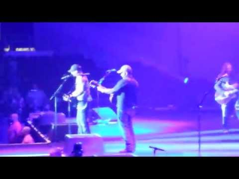 Dirt Road Anthem Brantley Gilbert with Aaron Lewis live in Madison Wisconsin