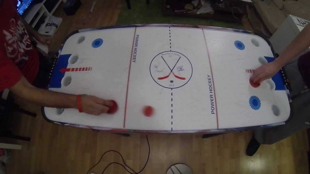 Hockey beer pong table - Beer Puck Air Hockey First Game Det Nye Kulturhuset