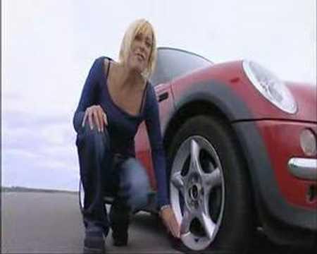 goodyear run on flat tyre test mini cooper s youtube. Black Bedroom Furniture Sets. Home Design Ideas