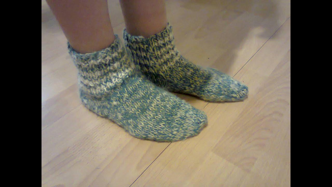 Носки вязаные на двух спицах.  Knitted socks on two needles.