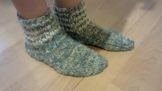 Носки вязаные на двух спицах.  Knitted socks on two needles.(МК как связать носки на двух спицах. MK how to knit socks on two needles., 2014-10-07T04:21:27.000Z)